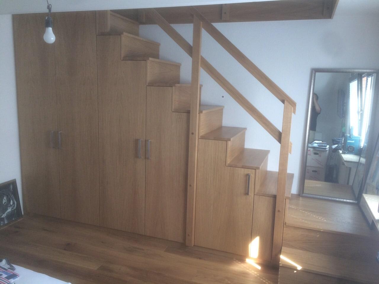 treppenschrank in eiche furniert und massiv naturlackiert tischlermeister philip sp th in. Black Bedroom Furniture Sets. Home Design Ideas