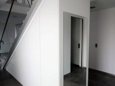 Garderobenschrank Treppe 2