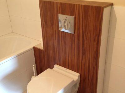 WC Paneel Nussbaum